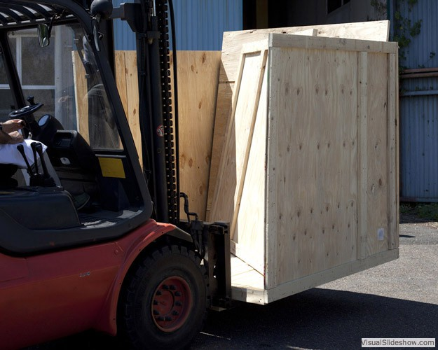 Delivery of a neutrino detector, CEA-Irfu